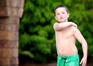 Jak zminimalizować swędzenie skóry przy AZS