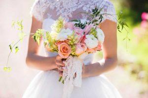 Najlepsze pomysły na prezent ślubny zamiast kwiatów?