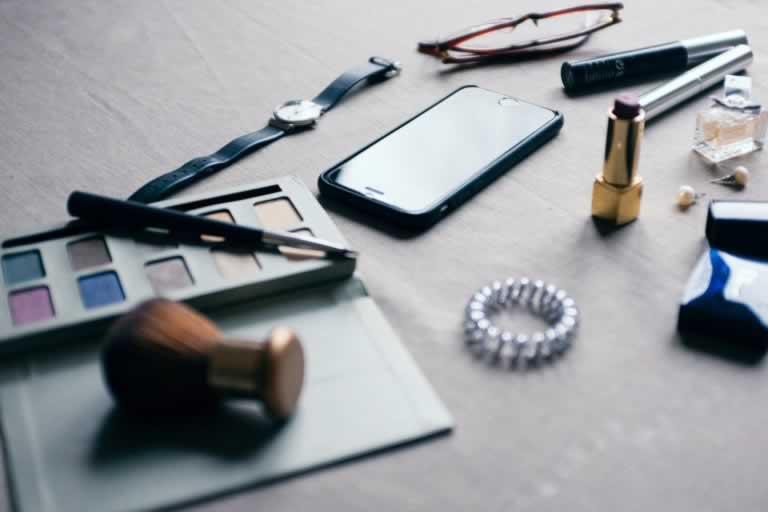Skóra wrażliwa – jak ją pielęgnować i jakie kosmetyki wybierać?