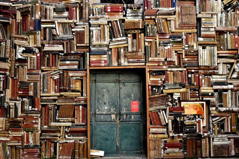 Bestsellery na zimę – 5 książek, które umilą długie wieczory