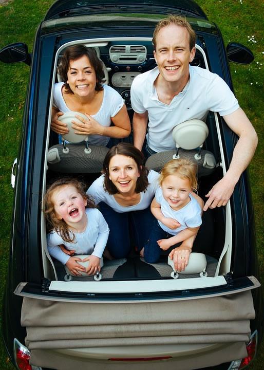 Foteliki samochodowe zmniejszają śmiertelność dzieci w wypadkach drogowych