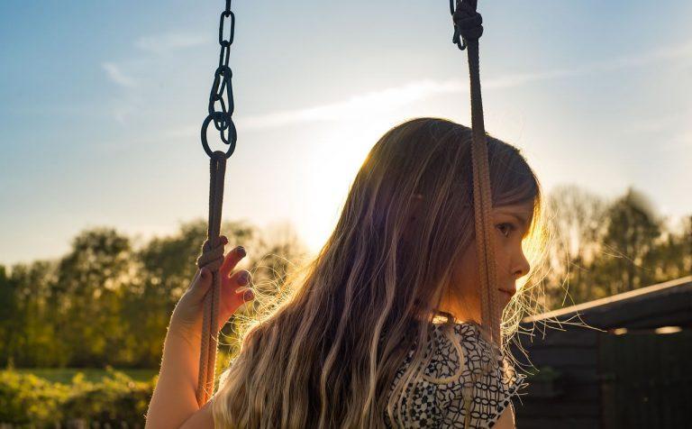 Metoda Vojty – sprawdź, jak terapia może pomóc w rehabilitacji ruchowej dzieci