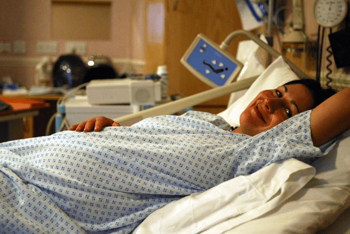 Pobyt w szpitalu – jaka koszula nocna sprawdzi się najlepiej?