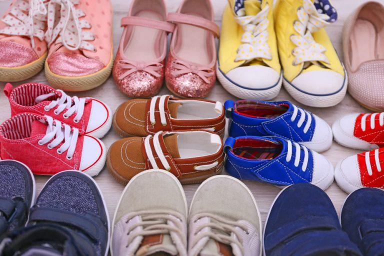 Buty dziecięce do zabaw na świeżym powietrzu