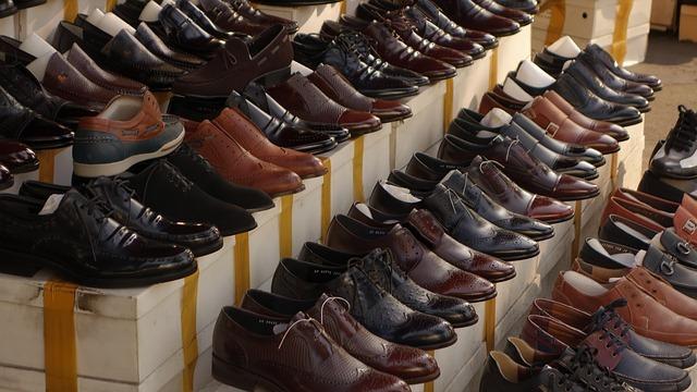 Internetowa hurtownia obuwia męskiego – jak uniknąć odsyłania obuwia?