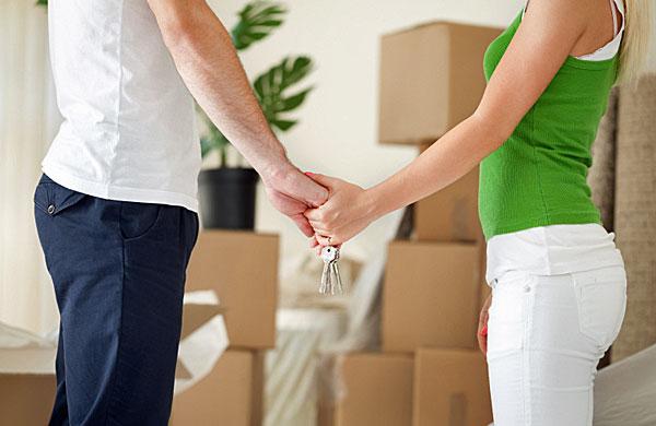 Pierwsza wspólna przeprowadzka – jak podjąć decyzję o przeprowadzce i się do niej przygotować