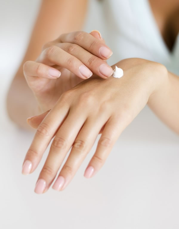 Pielęgnacja dłoni i manicure tradycyjny
