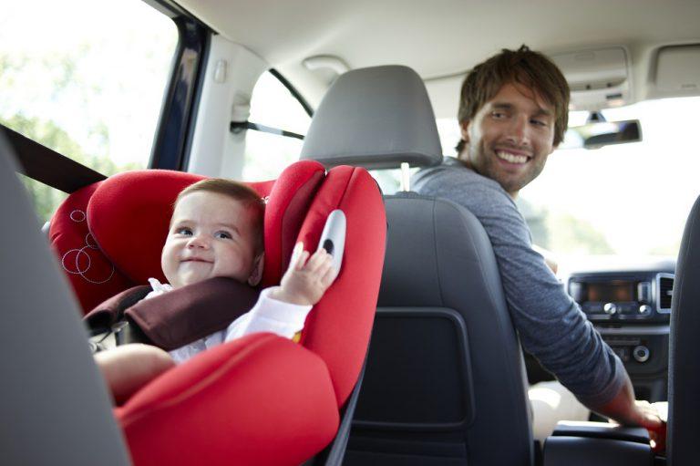 Jak wybrać bezpieczny fotelik dla niemowlaka?
