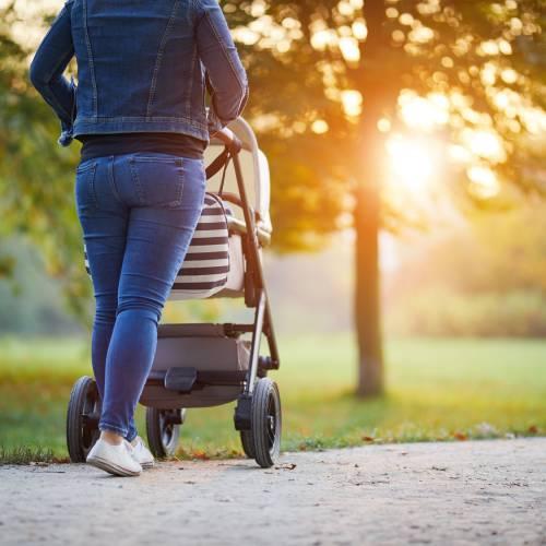 W co ubrać niemowlaka na spacer?