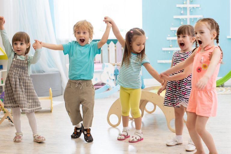 Wyprawka dla przedszkolaka – w co warto zaopatrzyć malucha?