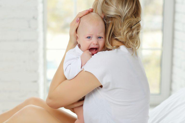 Czym jest płacz dziecka? Czy zawsze powinien niepokoić?