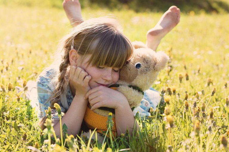 Czy zabawka jest w stanie zastąpić dziecku uwagę rodziców?