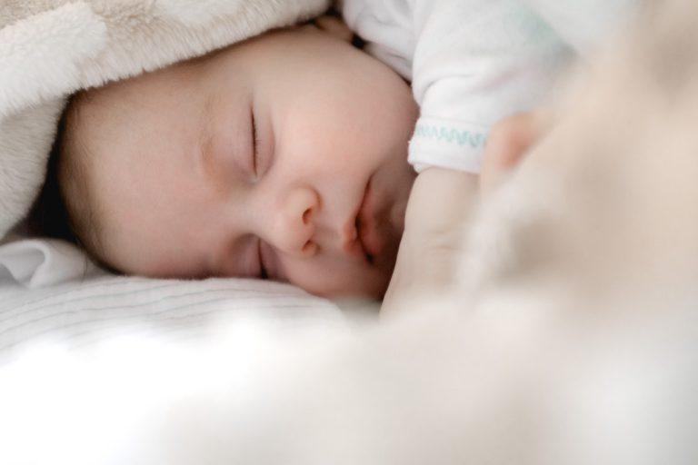 Sprawdź co musi się znaleźć w wyprawce dla noworodka