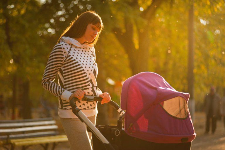 Dziecko nie chce spać w wózku – co robić?