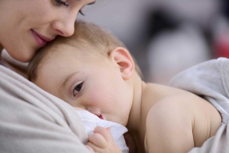 Karmienie piersią w ciąży – komentarz położnej Danuty Przybyłko