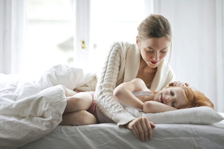Praktyczne porady, jak poprawić sen dziecka