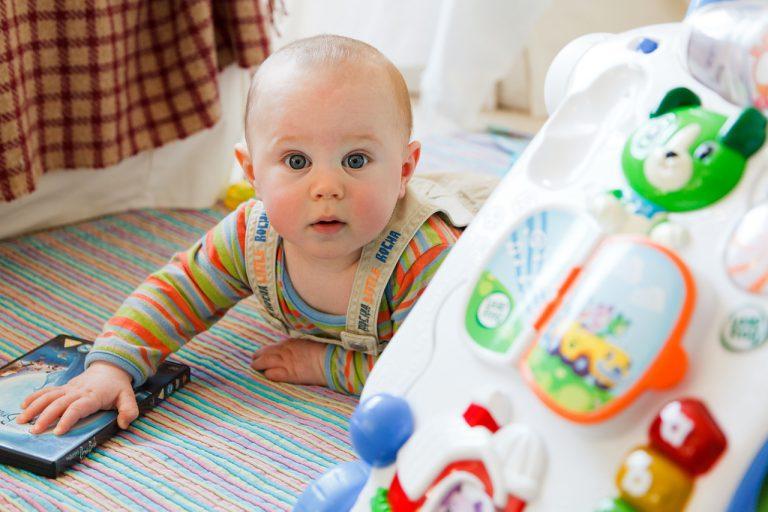 3 rodzaje ubrań idealnych dla niemowląt