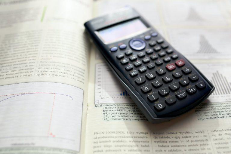 Konsolidacja kredytu kalkulator – co można obliczyć?