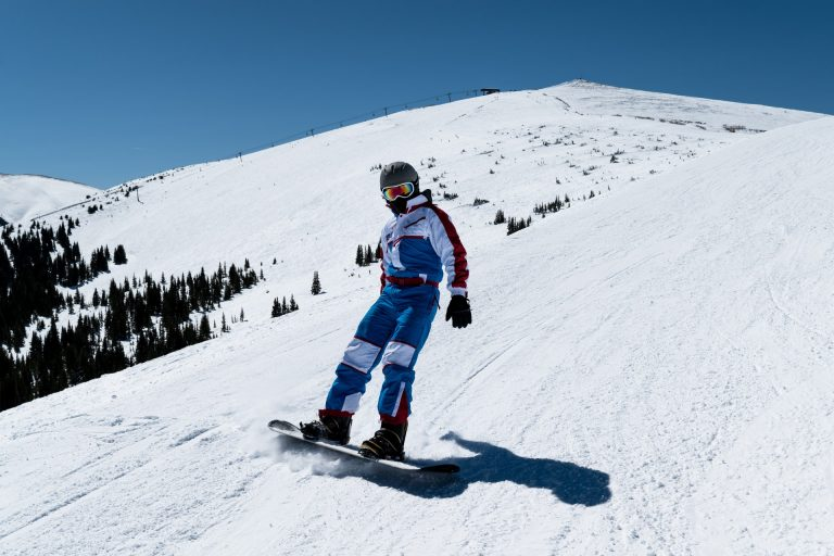 Jaka deska snowboardowa dla osoby początkującej?