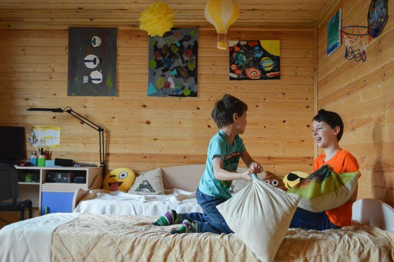3 wskazówki, jak wybrać idealne meble dla dziecka