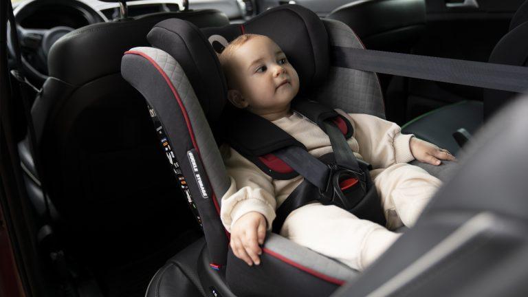 Kiedy wymienić dziecku fotelik samochodowy