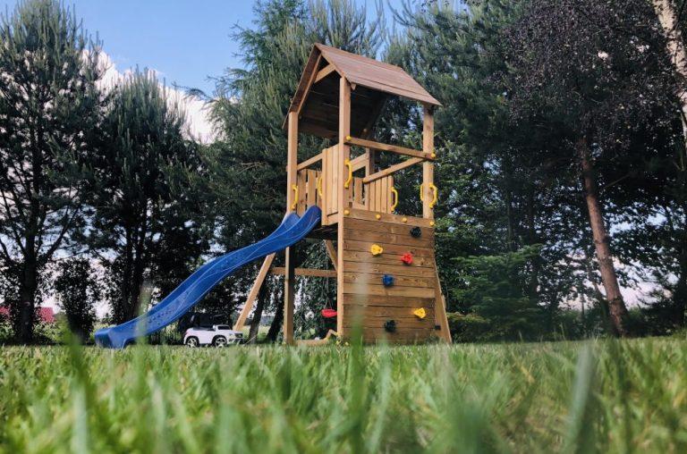 Jak spędzać udane weekendy na działce? Sprawdzamy najlepsze atrakcje dla dzieci