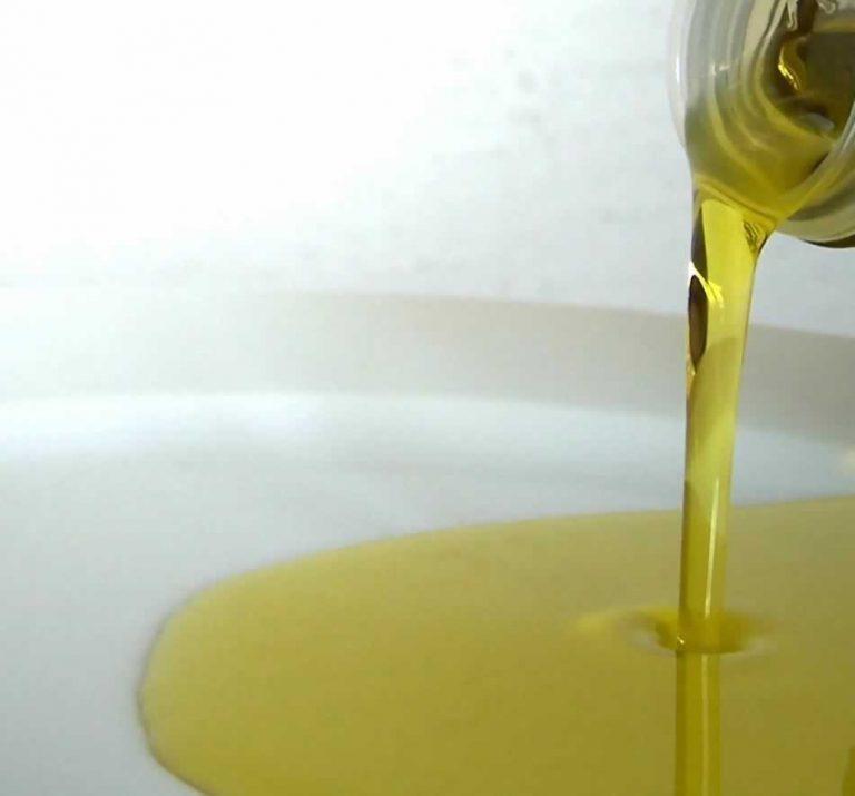 Olej tłoczony na zimno – dlaczego właśnie taki?