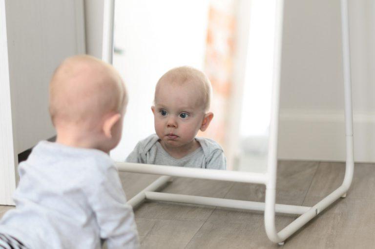 Jak rozwija się maluch w 6 miesiącu życia?