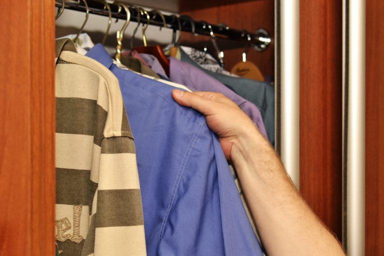 Odświeżanie ubrań w domowej garderobie? Tak dzięki AirDresser